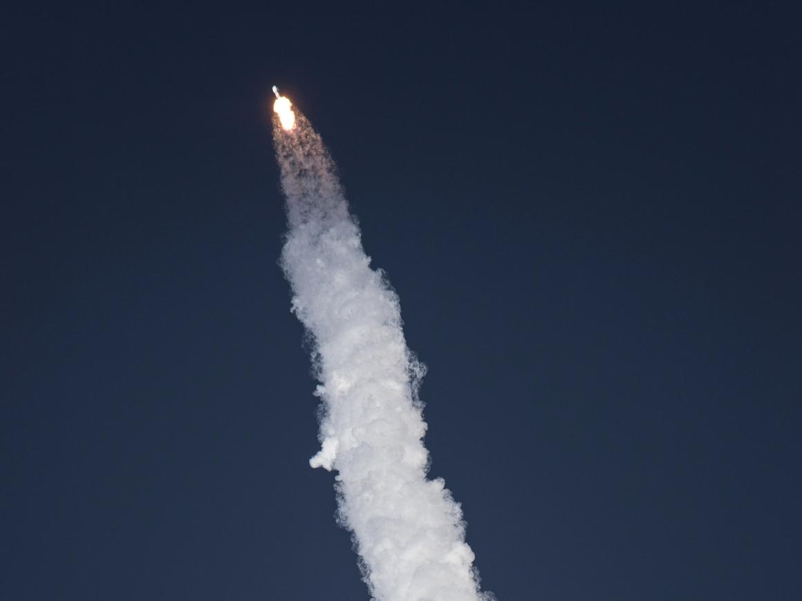 "Ракета SpaceX ""прорвала"" ионосферу Земли и нарушила работу GPS"