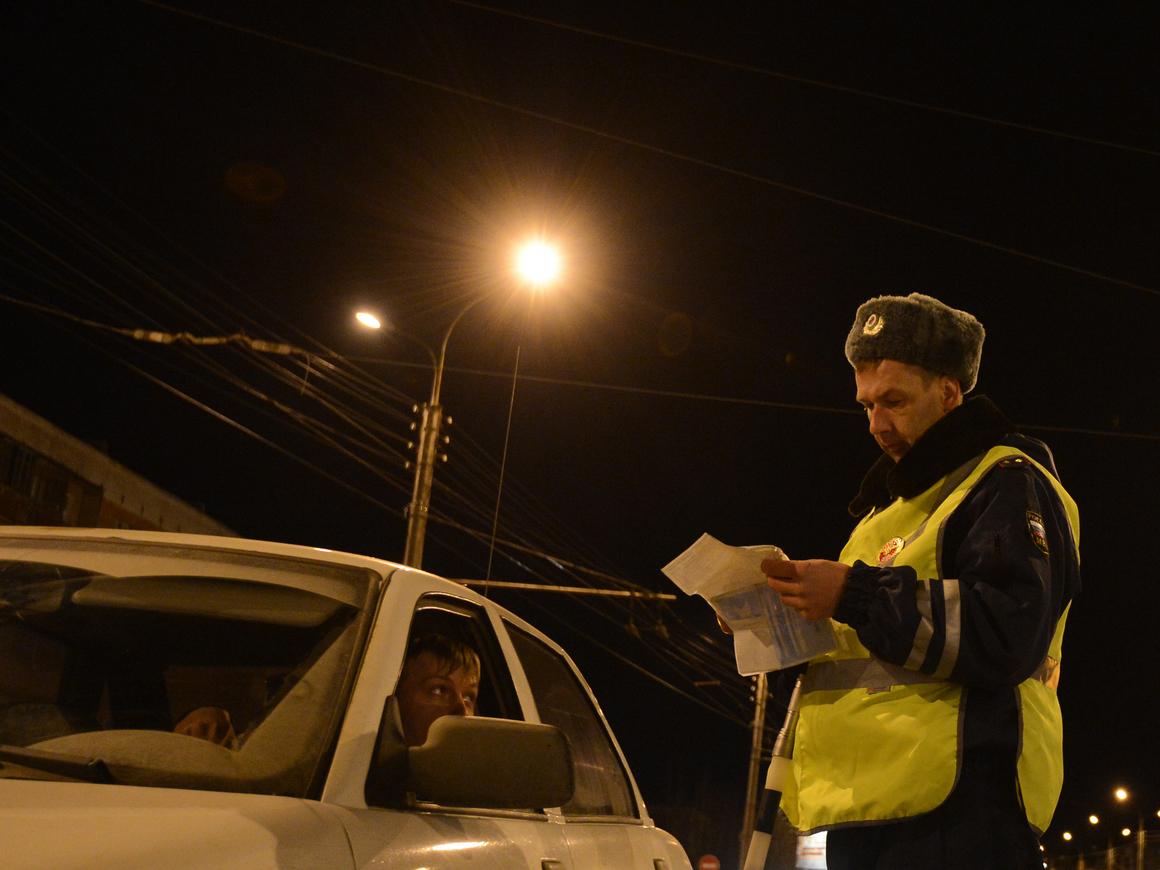 Дышите - не дышите: Путин подписал новый закон об употреблении алкоголя за рулем