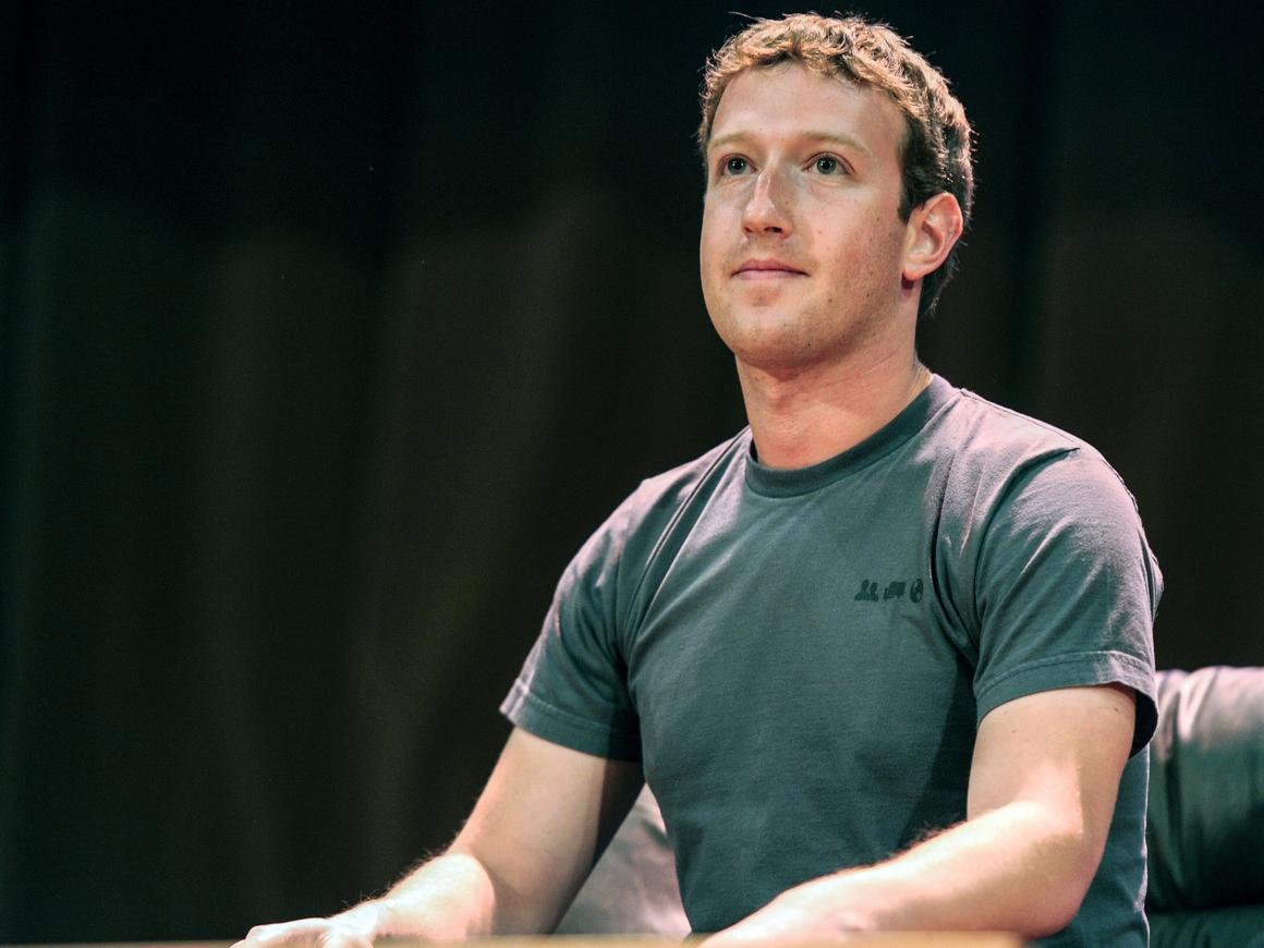 Король извинений и мемов: Цукерберг извинился в Конгрессе за утечку из Facebook