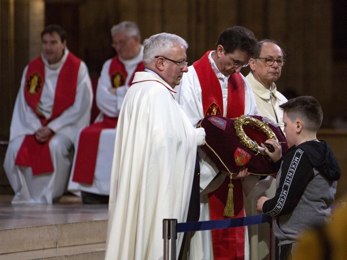 Смартфон от лукавого - в Риме священников учат изгонять дьявола по телефону
