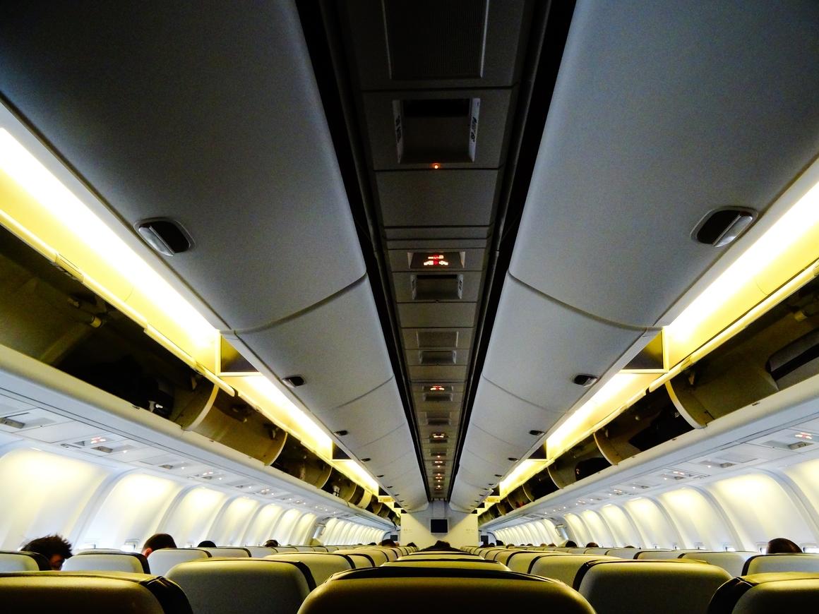За проезд передаём: итальянцы придумали стоячие места для самолётов