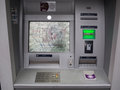 """Держать строй! - Российские банки """"падают"""" после блокировки Telegram"""