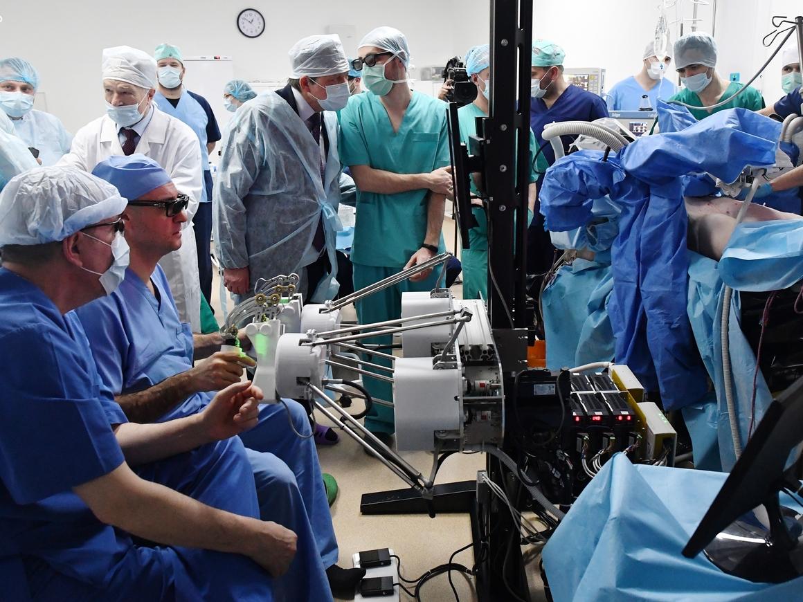 В США провели первую в мире полноценную трансплантацию мужских половых органов