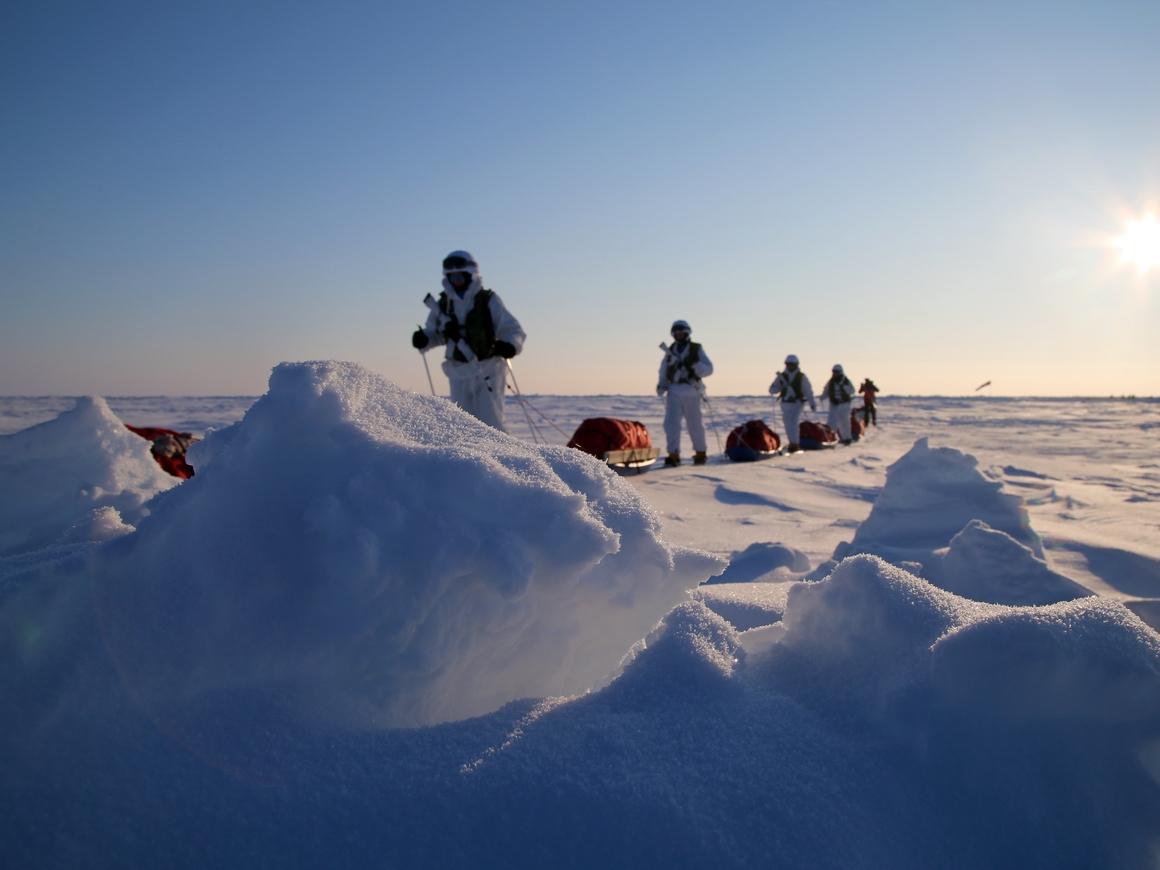 Нет холоду и сексизму! - команда девушек дошла до Северного полюса