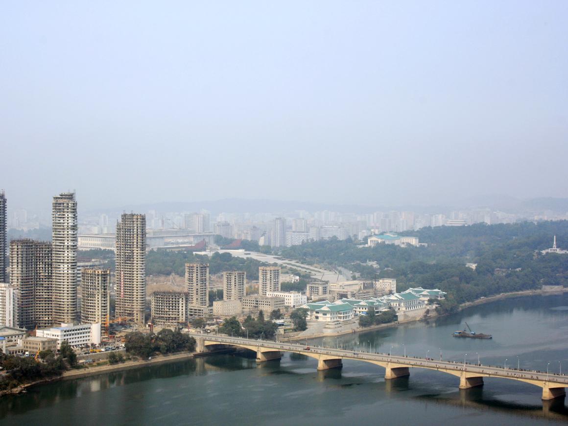Северная Корея поможет построить мост с Россией
