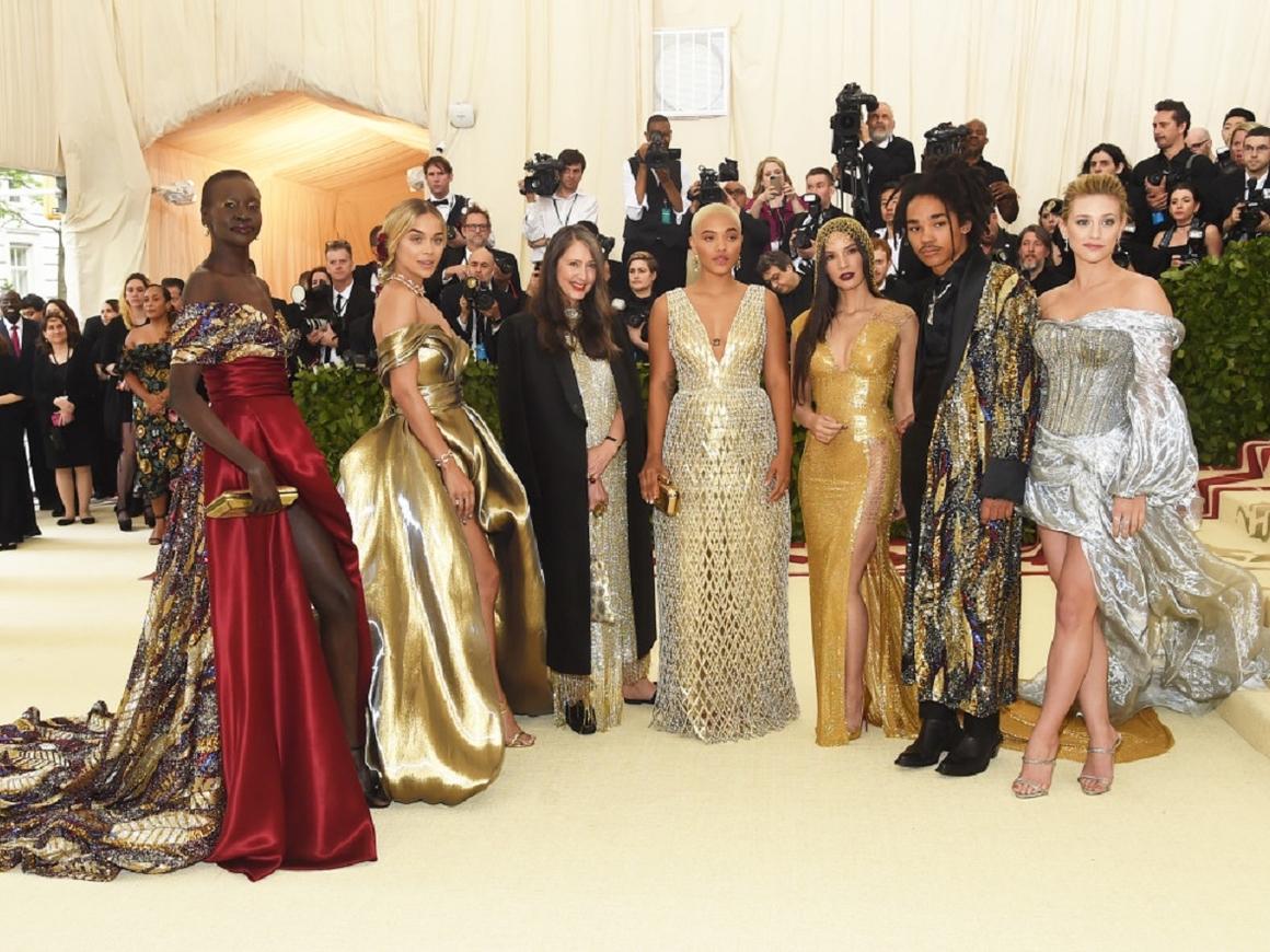 2018 Met Gala - в этом году темой модного фестиваля стали католицизм и фэшн