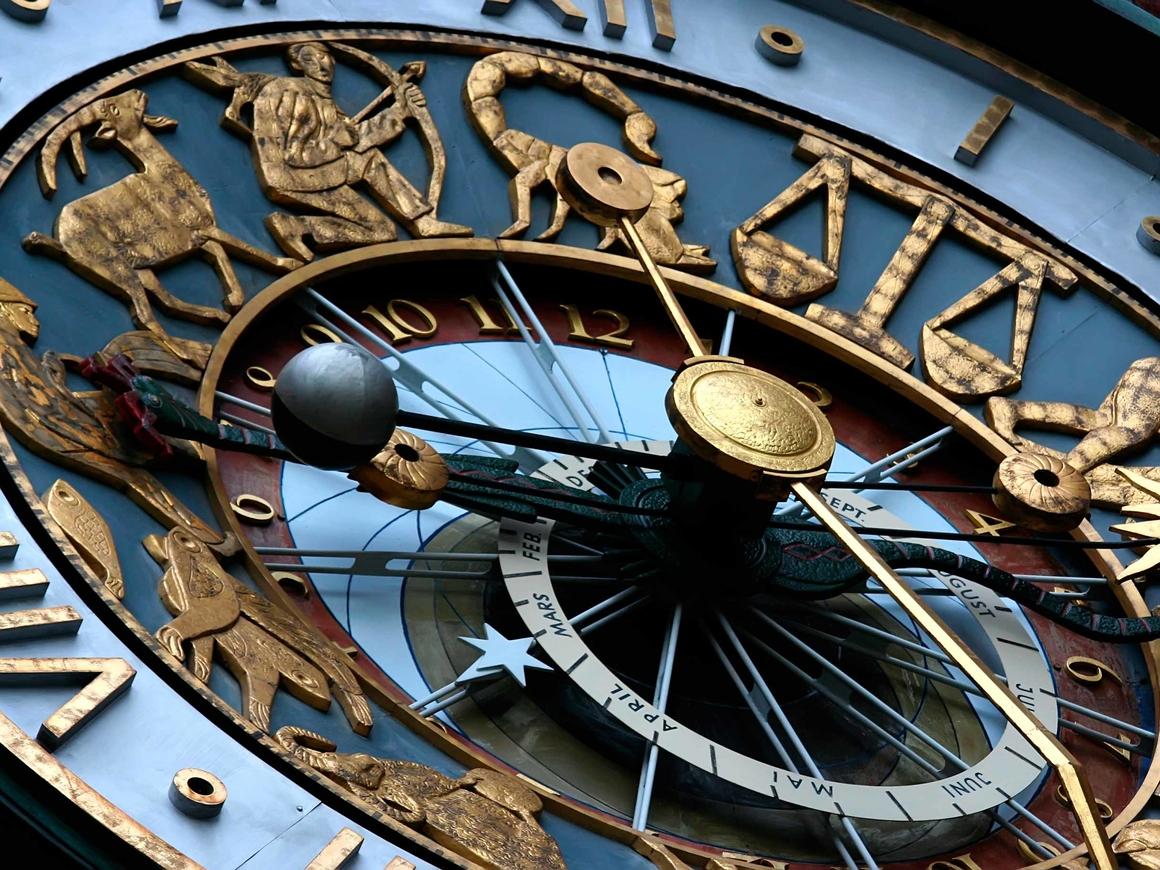РКН попросил суд оштрафовать астролога - тот предсказал победу Путина на выборах