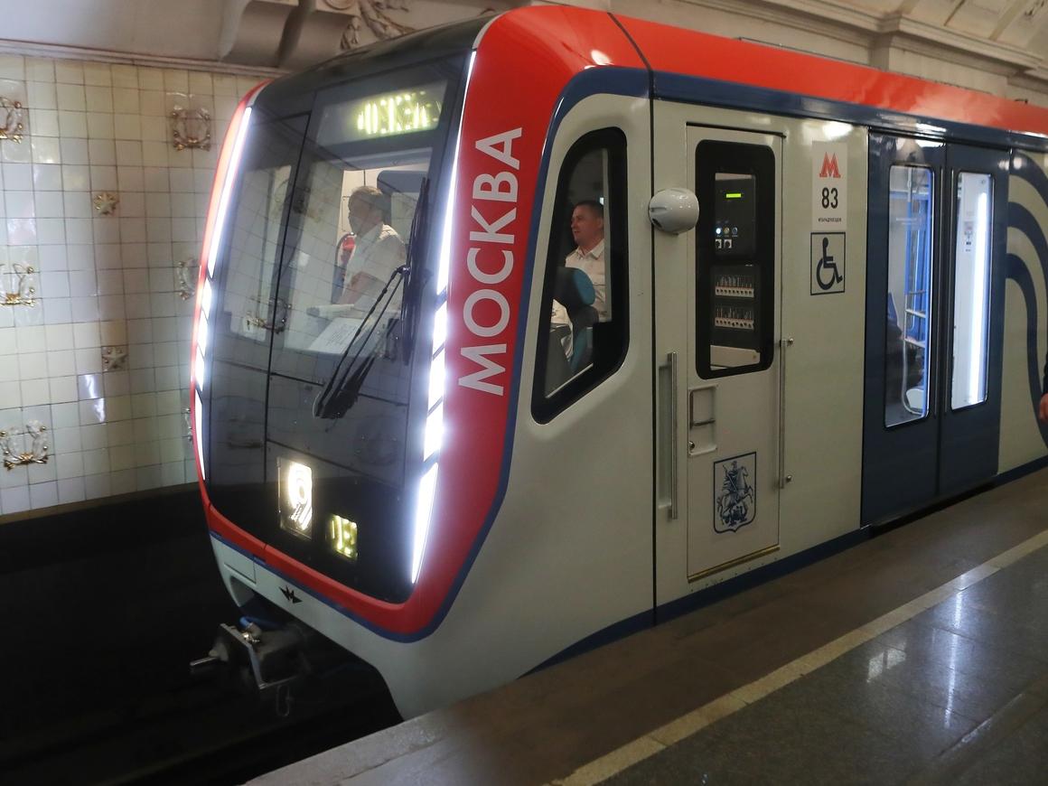 В Москве есть квартира, из которой можно выйти прямо в метро