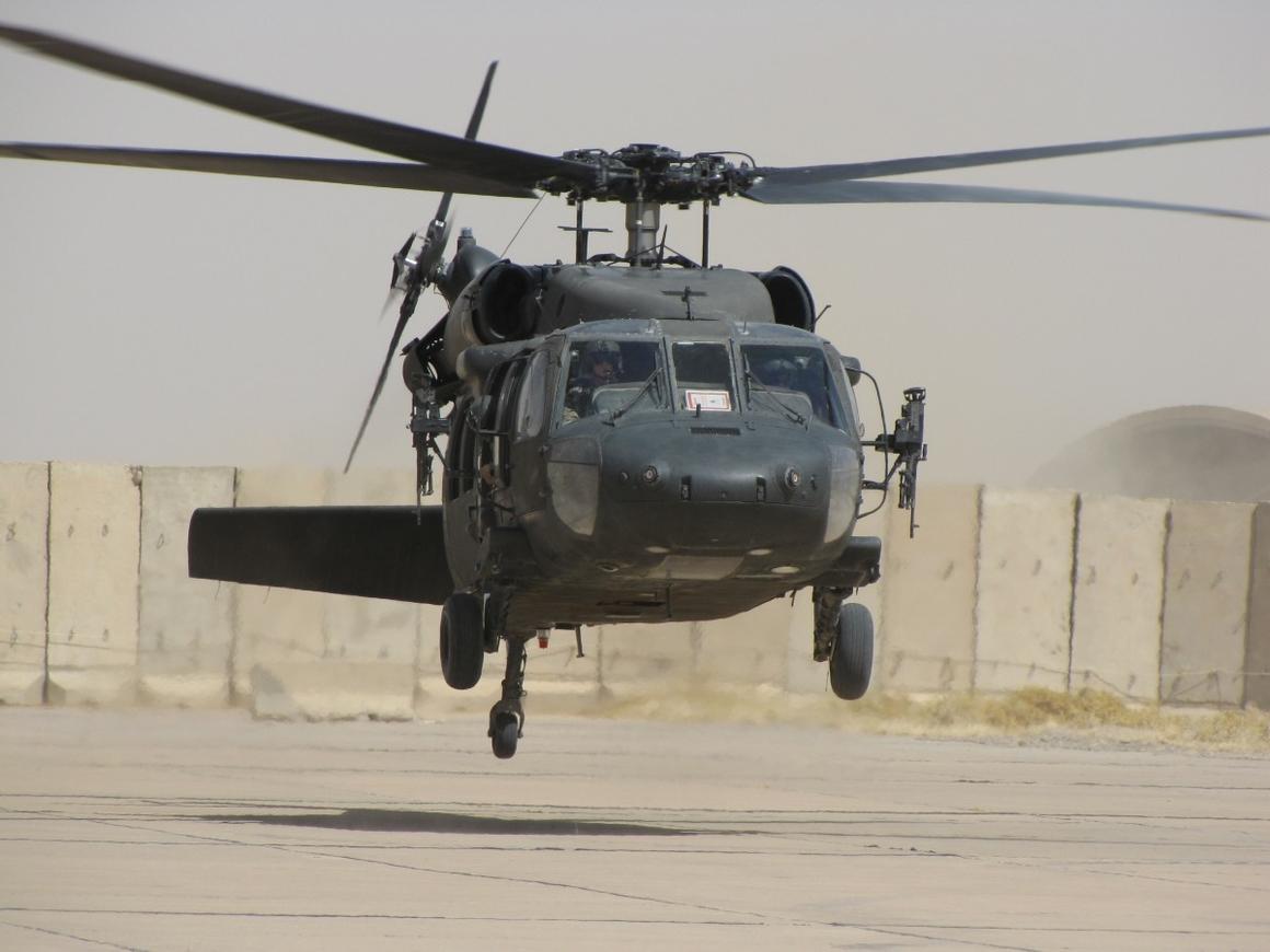 Акела промахнулся: в США военный вертолёт сбросил на школу боеприпасы
