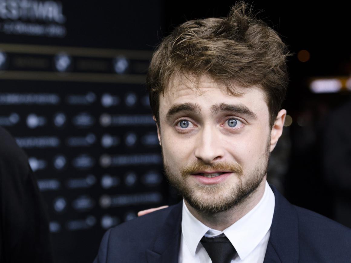 Гарри Поттер уже не тот - Дэниел Рэдклифф в трусах и с пистолетами стал мемом
