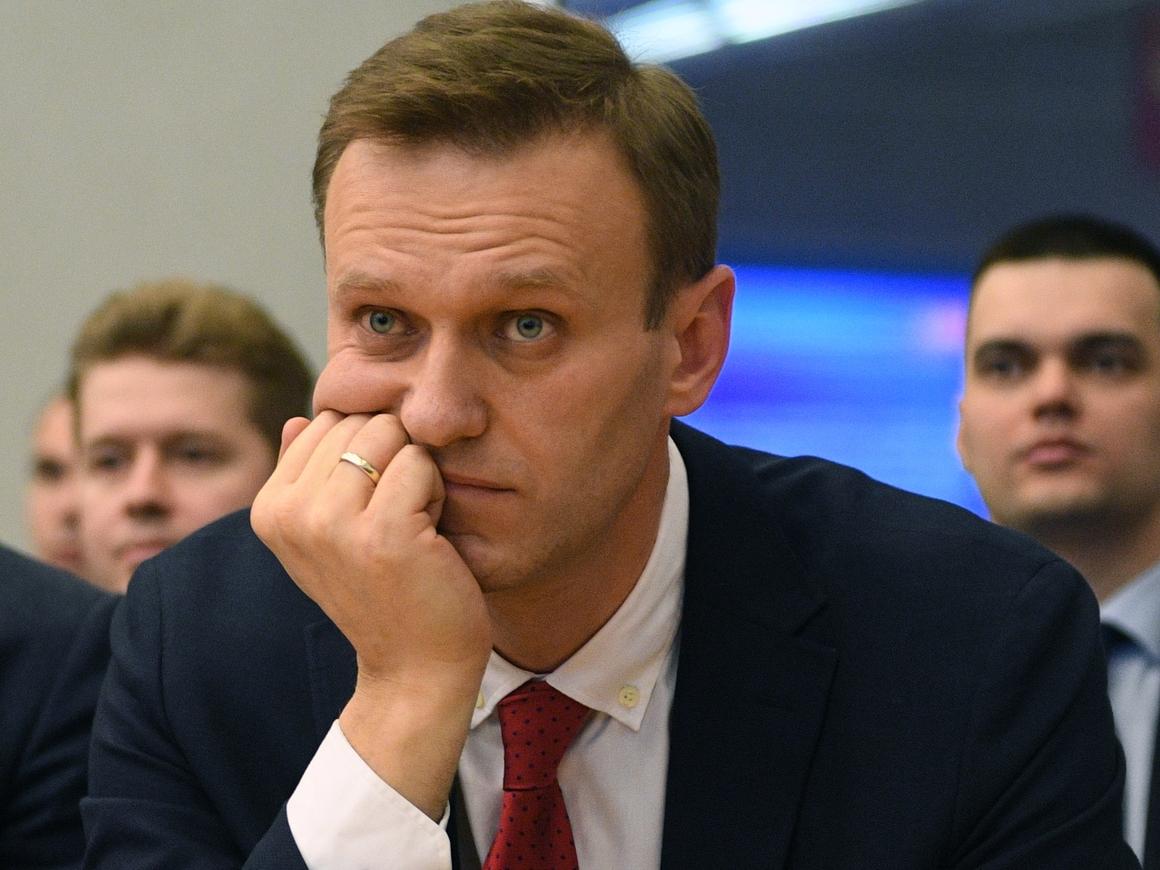 """Алексей """"Вождь революции"""" Навальный учится программированию, пока сидит в тюрьме"""