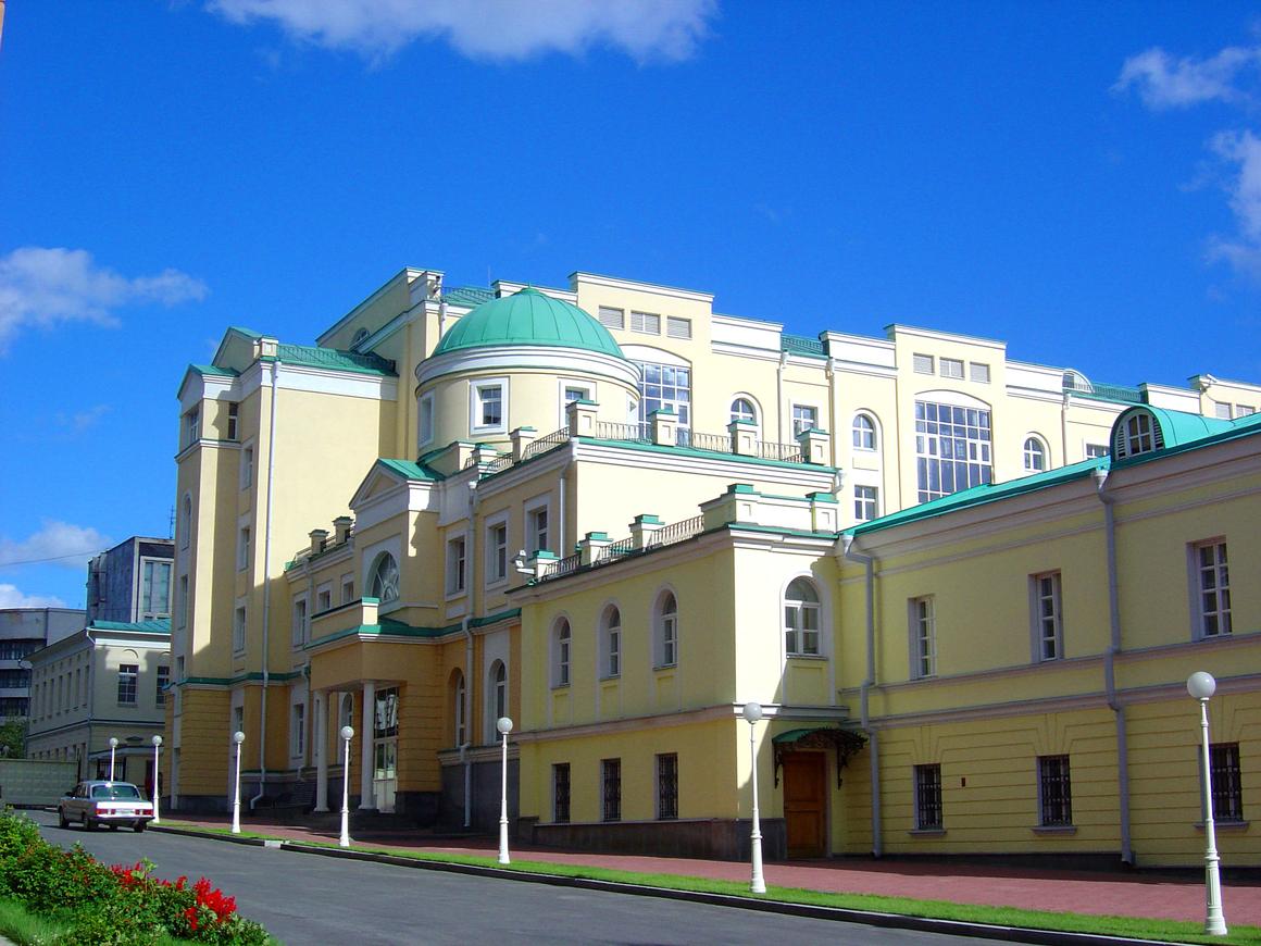 Чиновников Екатеринбурга отправят в сортир при резиденции губернатора