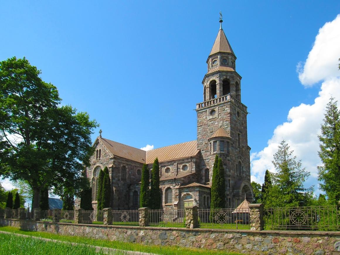 Божественная покупка: Бейонсе приобрела церковь за 850 тысяч долларов (фото)