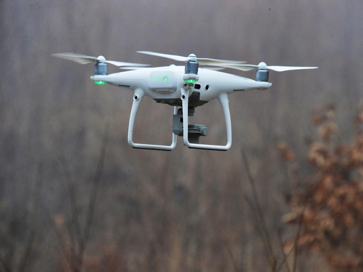 Парашют для дрона: и люди целы, и техника
