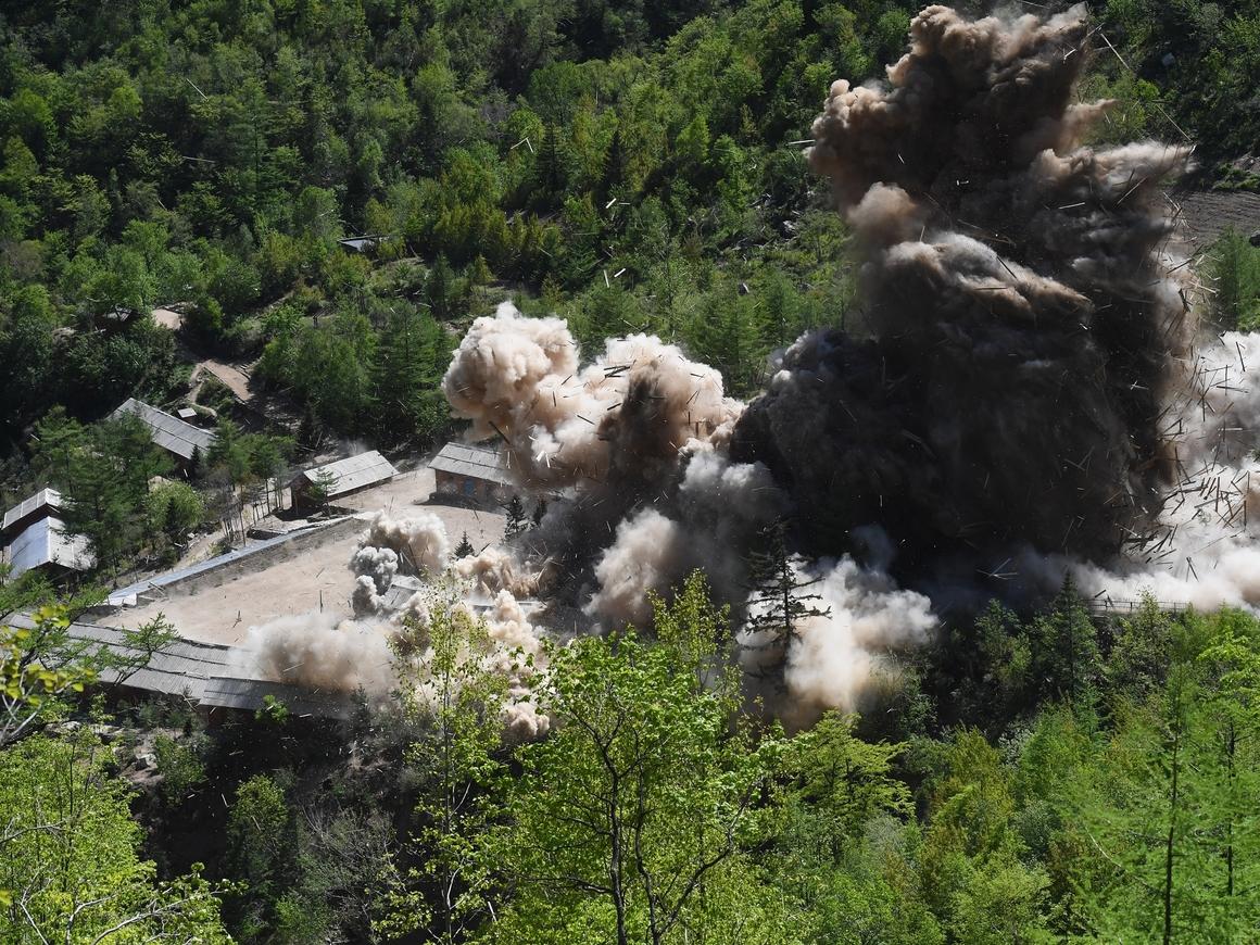 Ким сказал - Ким сделал: КНДР уничтожила ядерный полигон Пхунгери (видео)