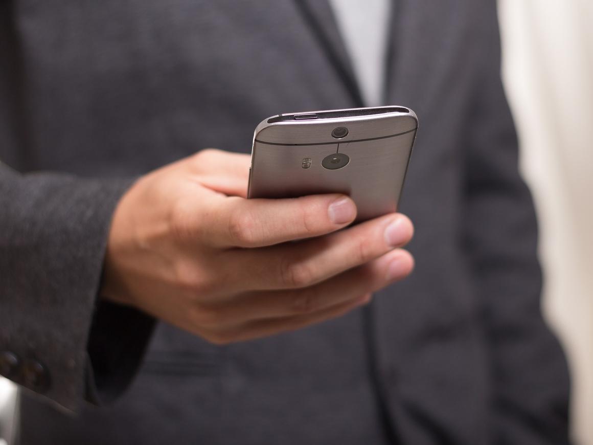 Абонент не абонент: Лето начнётся с блокировки SIM-карт