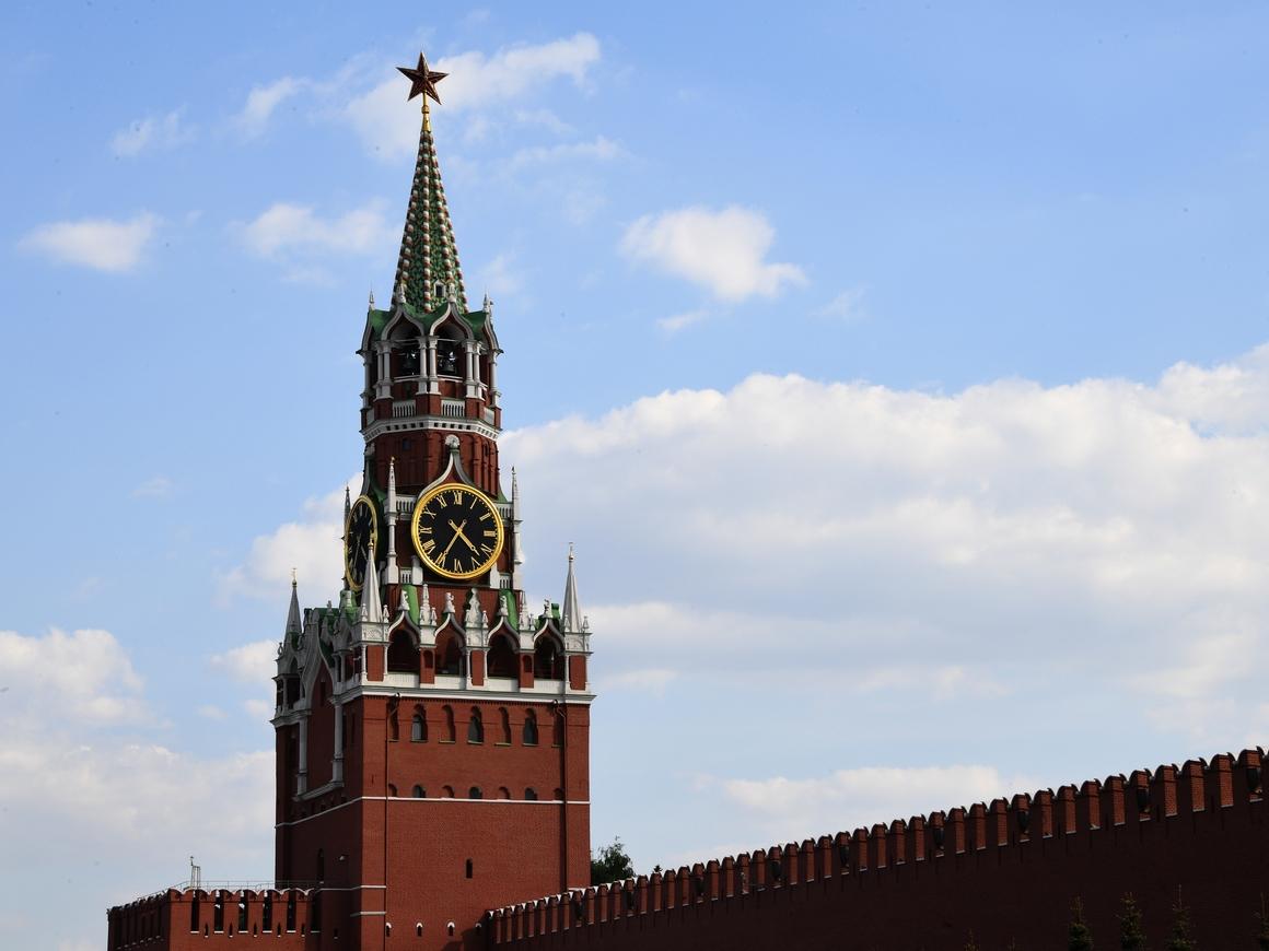 FIFA в ролике к ЧМ пририсовала Кремлю крест, но обещала вернуть звезду (видео)