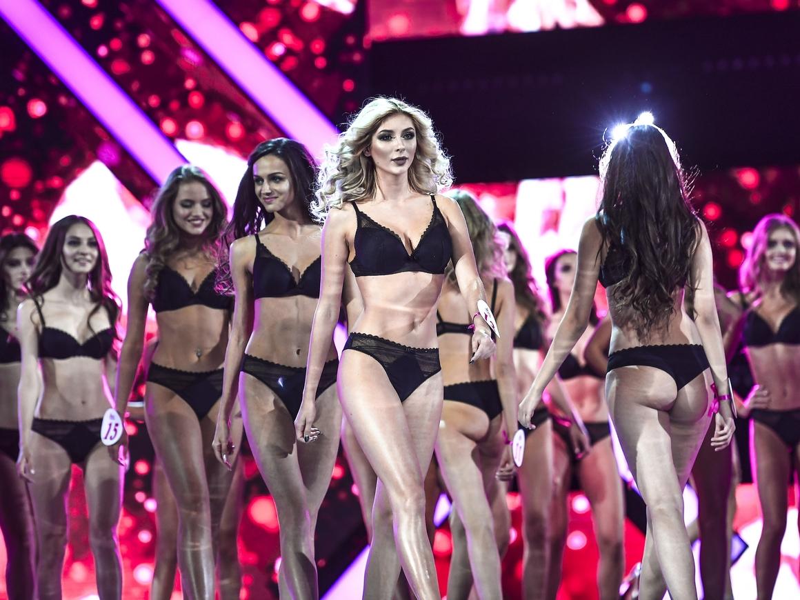 """Дискуссии вместо купальников: организаторы """"Мисс Америка"""" поменяли правила"""
