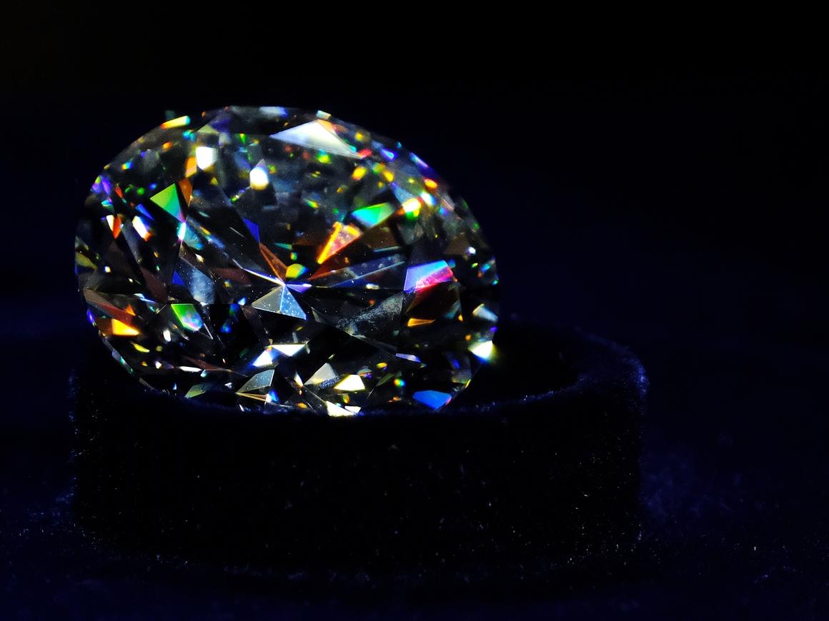 Небо в алмазах в буквальном смысле слова. Молодые звёзды те ещё выпендрёжники