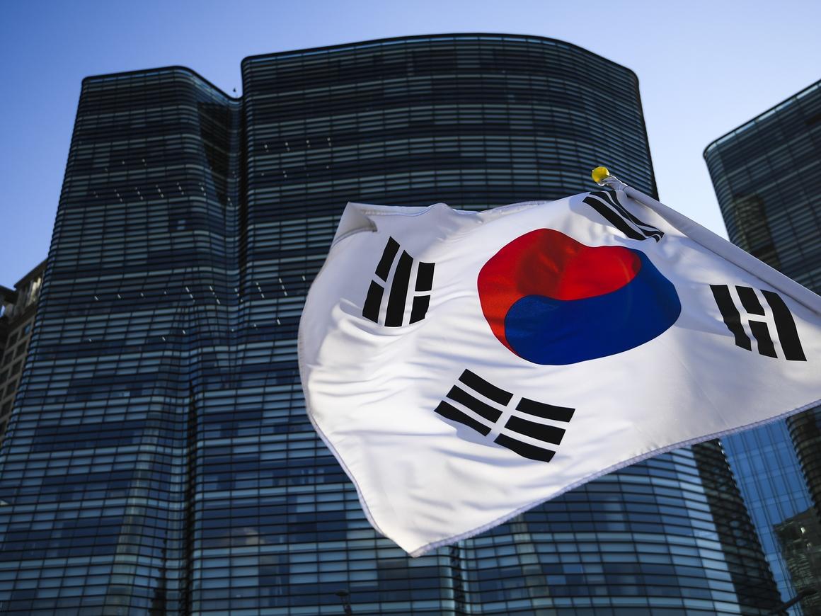 У всех на виду: Кореянки в Сеуле протестуют против шпионских камер в туалетах