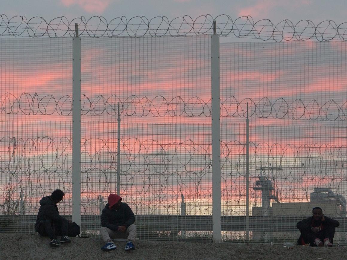 Новый Кале: испанский Бильбао становится центром перевозки мигрантов в Британию