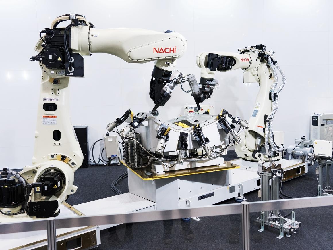 Завершилась крупнейшая IT-выставка: было мало людей, но много роботов