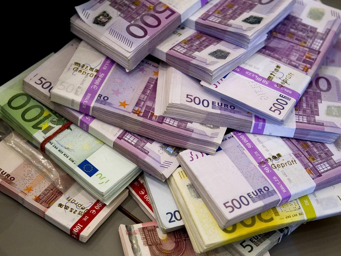 Помощь с профитом: Германия заработала почти 3 млрд евро на кризисе в Греции