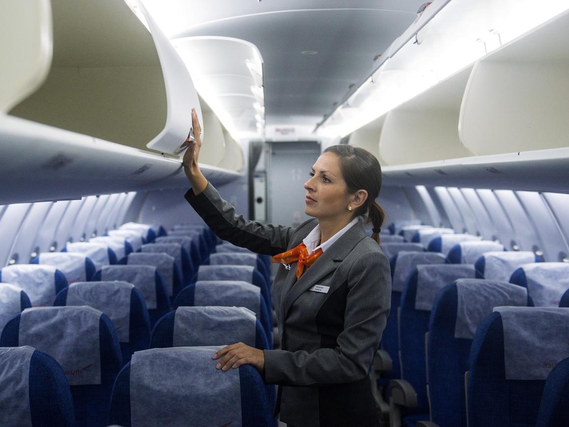 Мёртвого достанут: В Индии пилот выгнал пассажиров из самолёта туманом от кондея