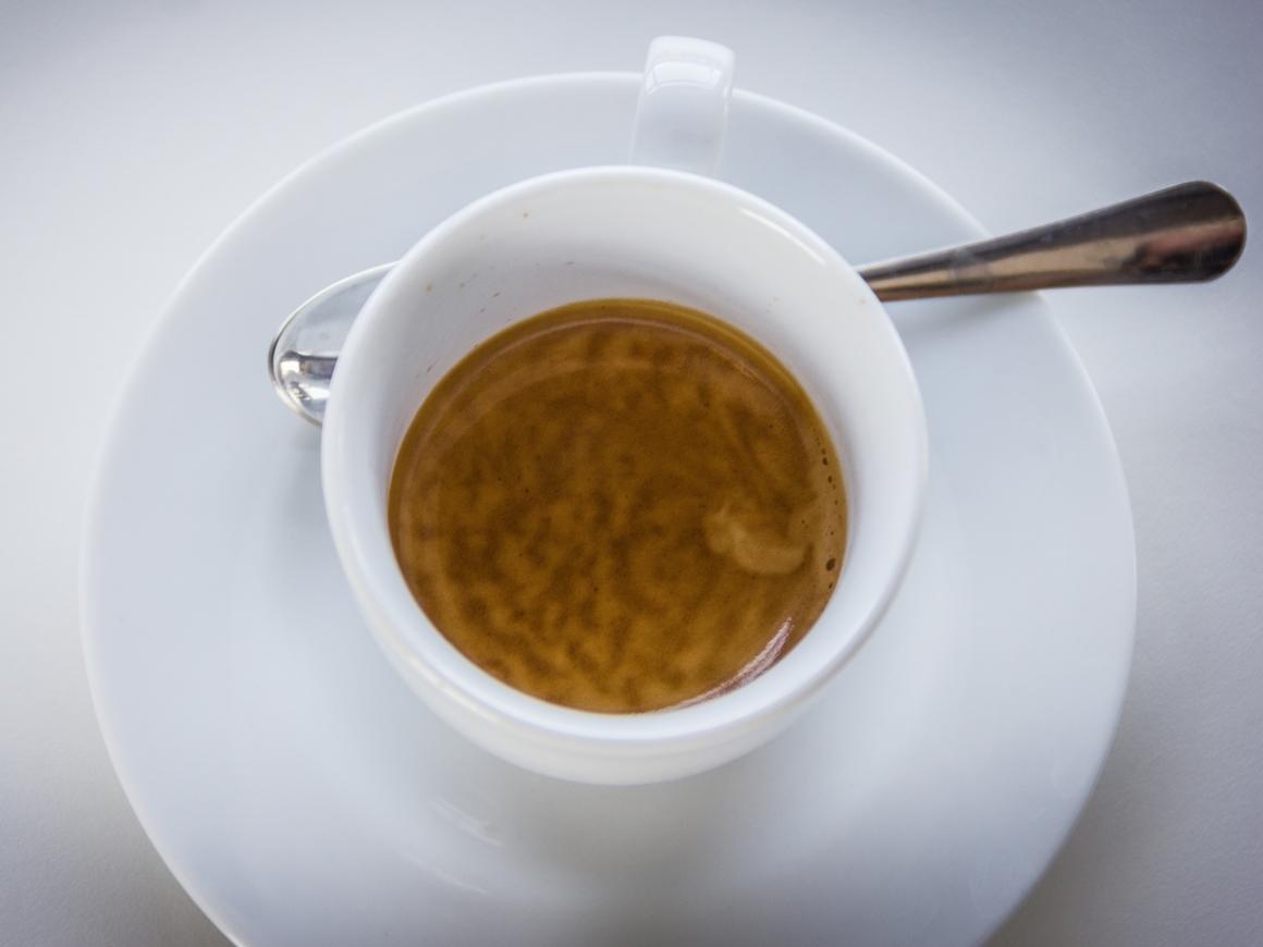 Как начать утро? Конечно же, с кофе. Ученые объяснили, почему