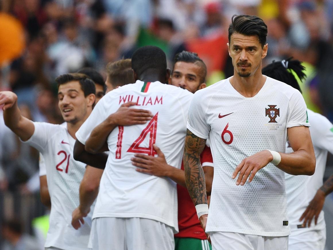 Новое футбольное правило от сборной Португалии (которого на самом деле нет)