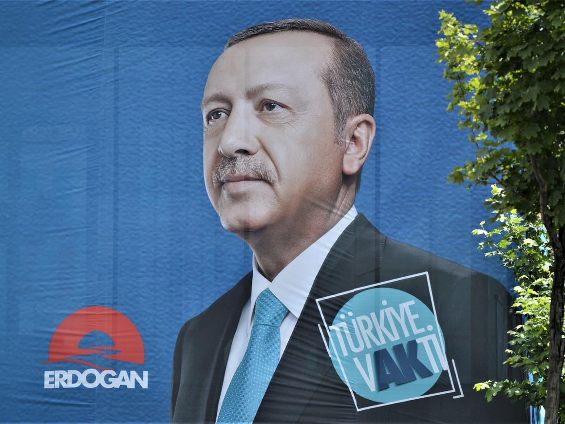 На выборах в Турции победил Реджеп Тайип Эрдоган. Он снова президент