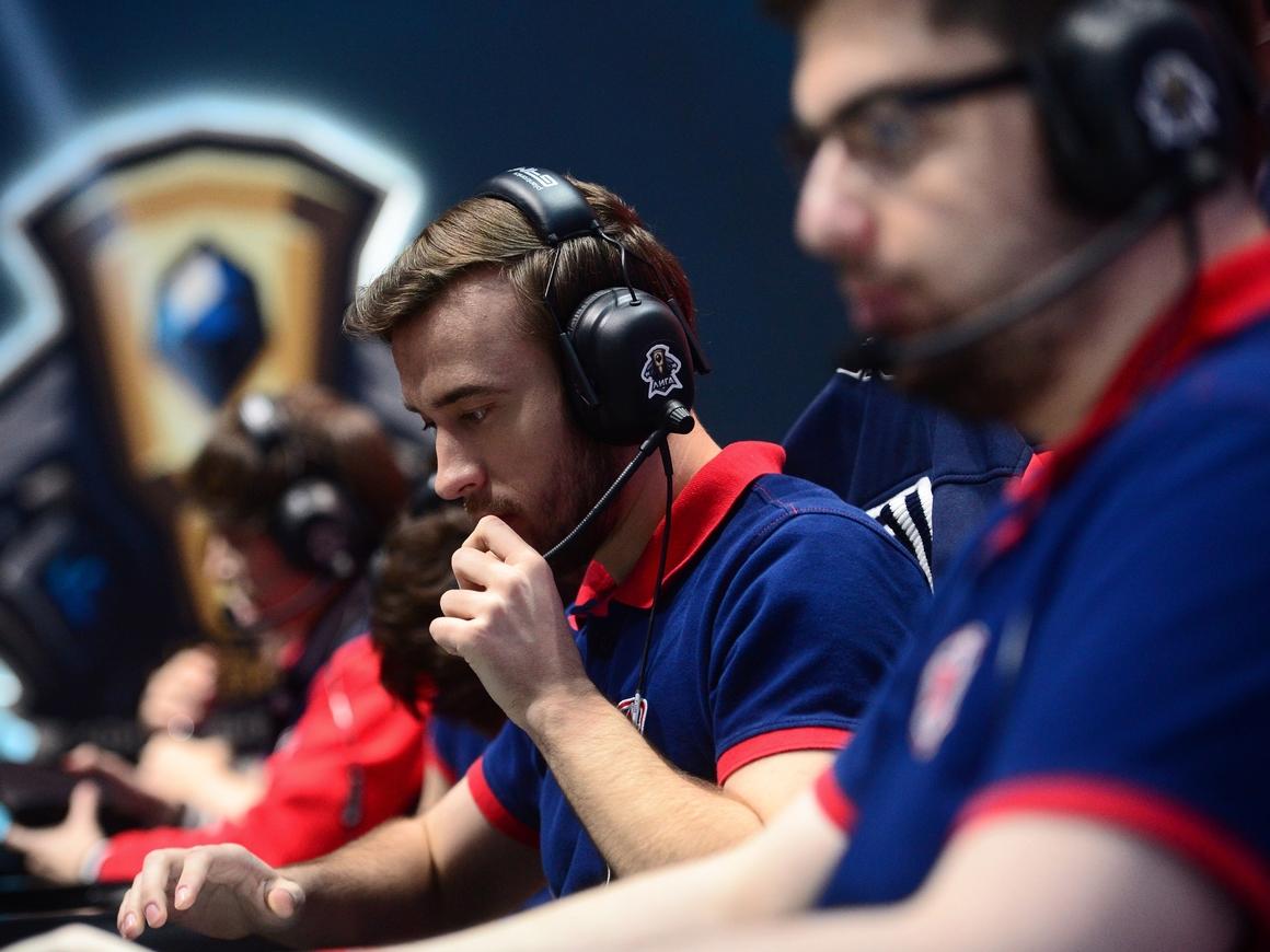 На чемпионате по Dota 2 команду дисквалифицировали из-за нелегальной мыши