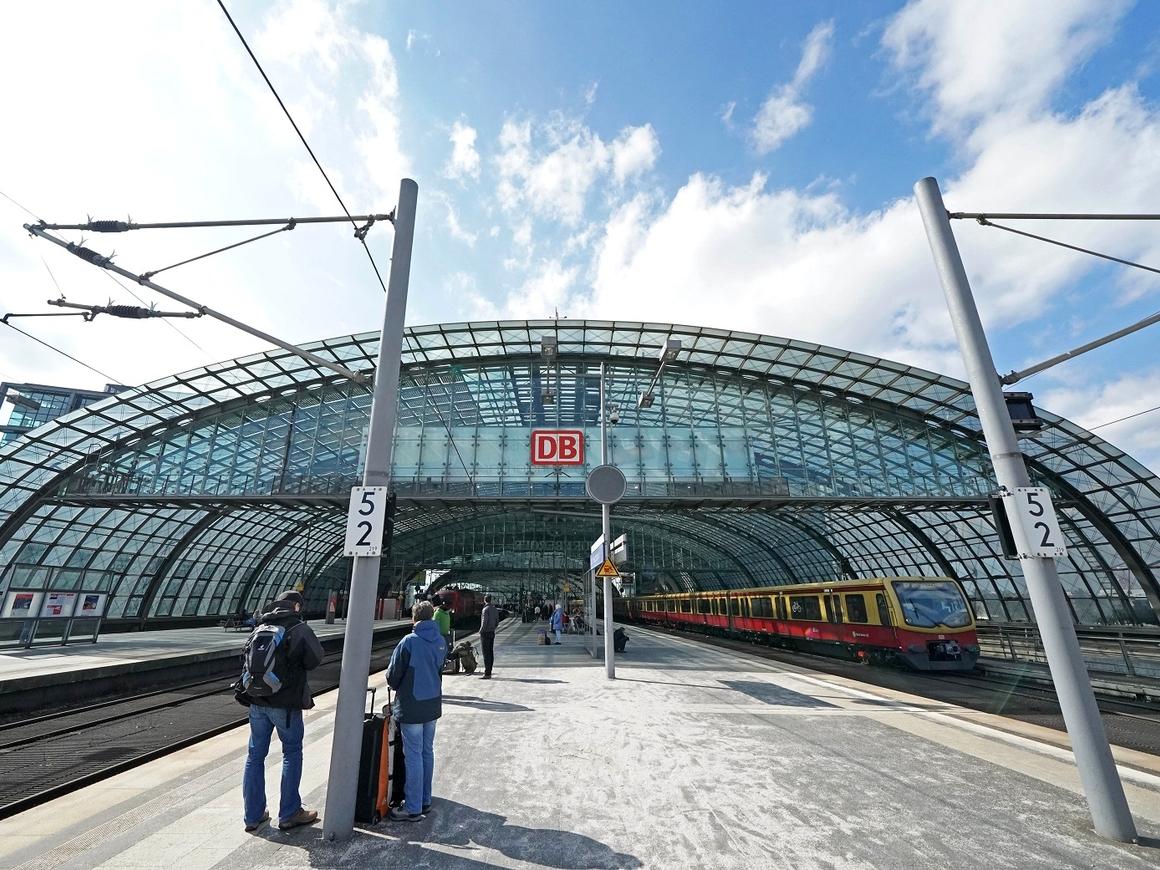 Дорого и медленно: Брюссель раскритиковал европейские железные дороги