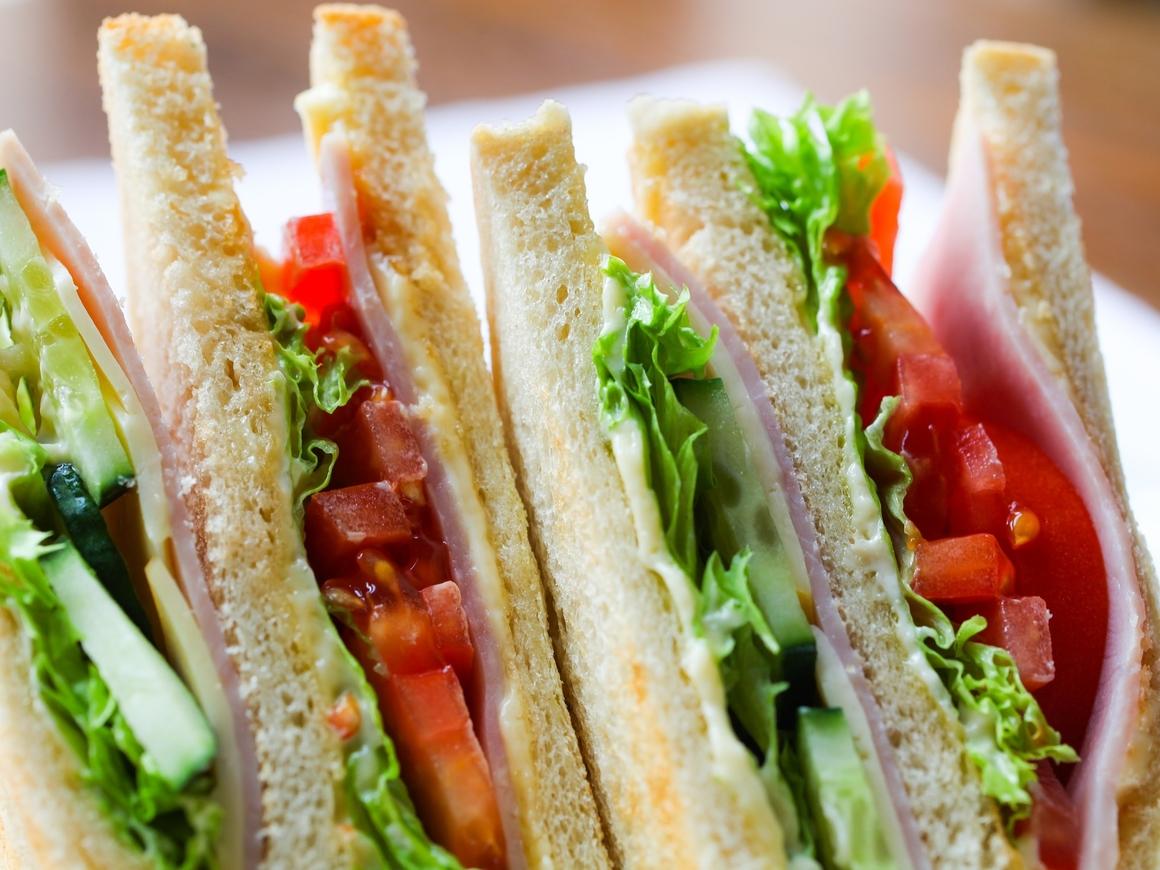 Более 20 человек стали жертвой смертельных сэндвичей в Германии