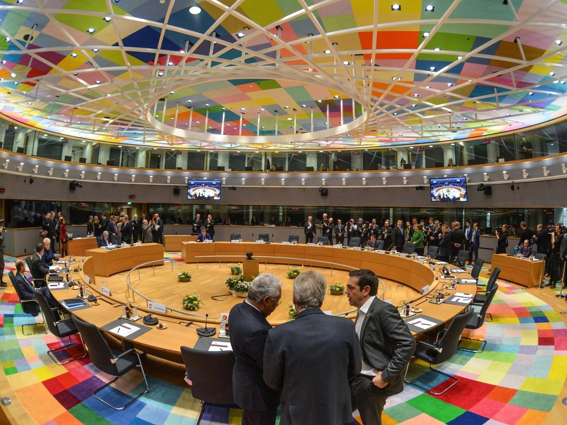 15-часовой саммит ЕС: 28 стран договорились по мигрантам