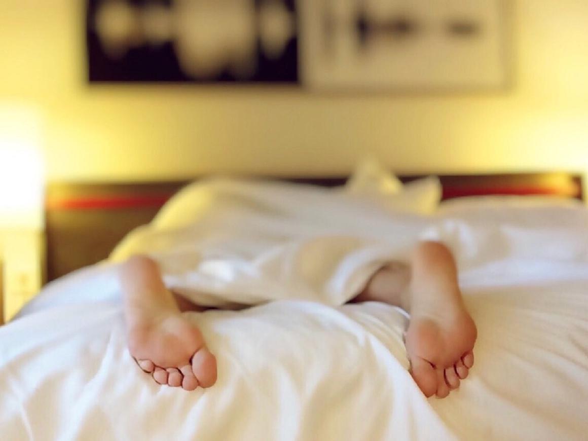 Дамы средних лет рискуют заработать депрессию, если будут поздно ложиться спать