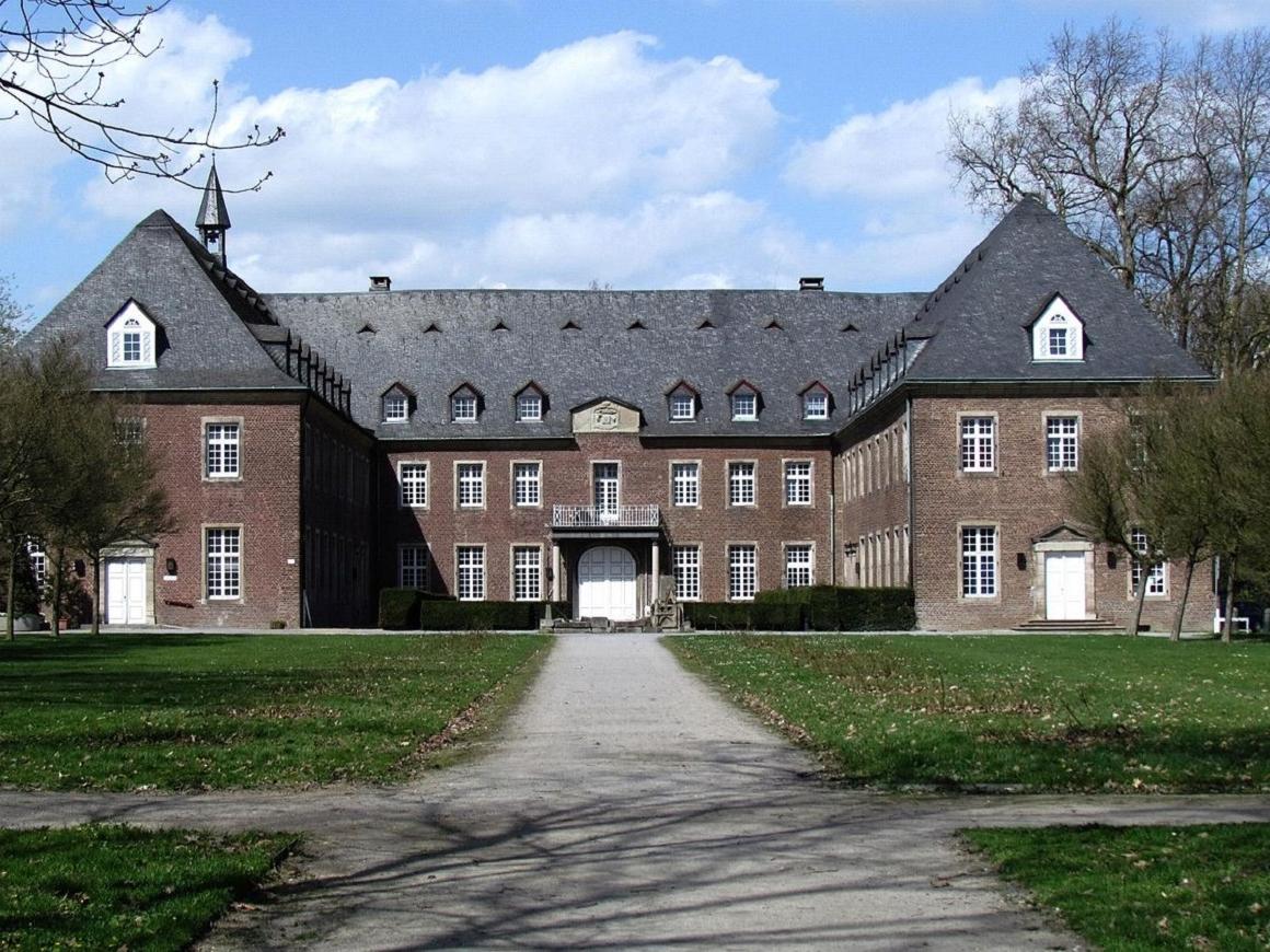 Либо все, либо никто: монастырь в Германии поплатился за своеволие