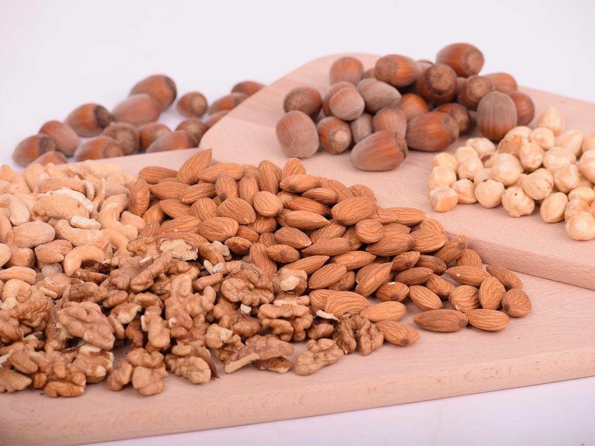 Учёные из Испании выяснили, что орехи улучшают качество спермы