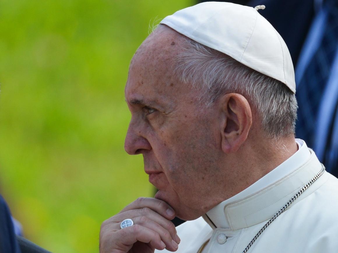 Земля превратится в пустыню и свалку, предупредил Папа Римский