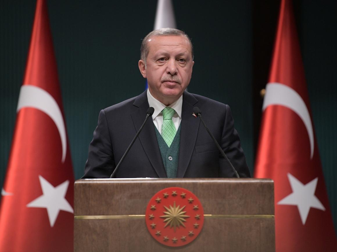 Очередные массовые увольнения в Турции: 18500 человек теперь без работы