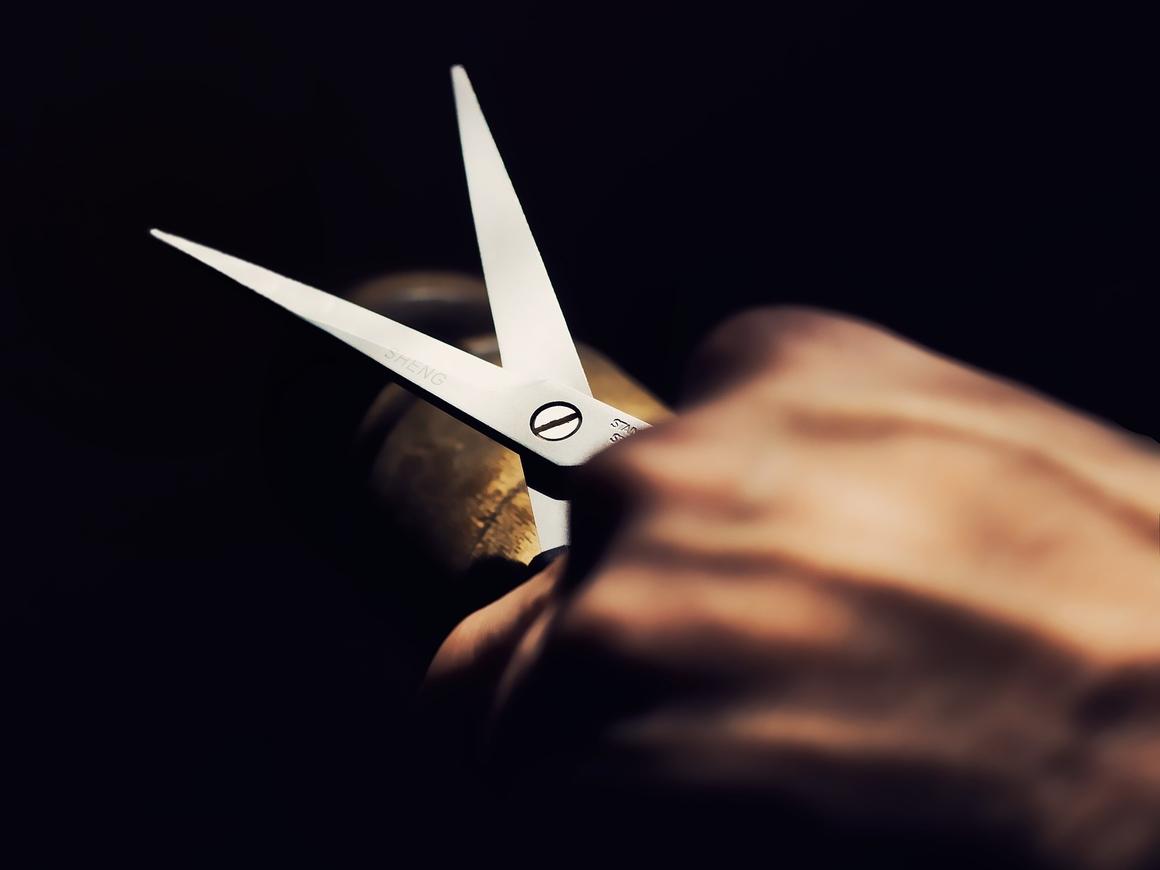 В Индии срезали самые длинные ногти в мире (фото + видео)