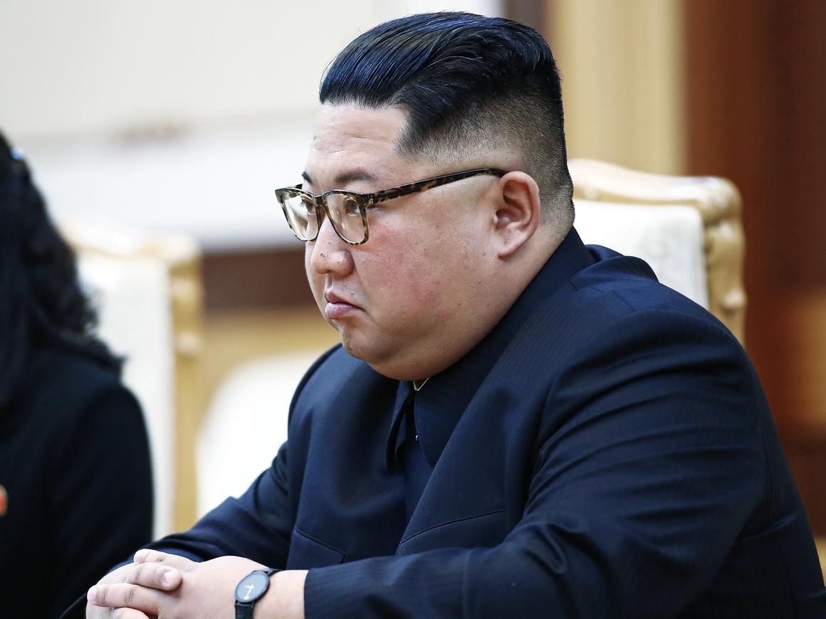 Ким Чен Ын осмотрел завод и детский лагерь. Кажется, кого-то расстреляют (фото)