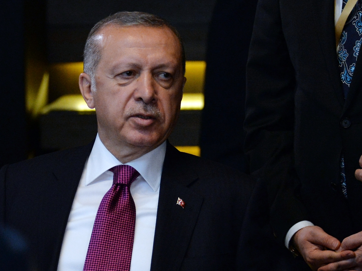 Было тревожно, но не настолько: Турция отменила чрезвычайное положение
