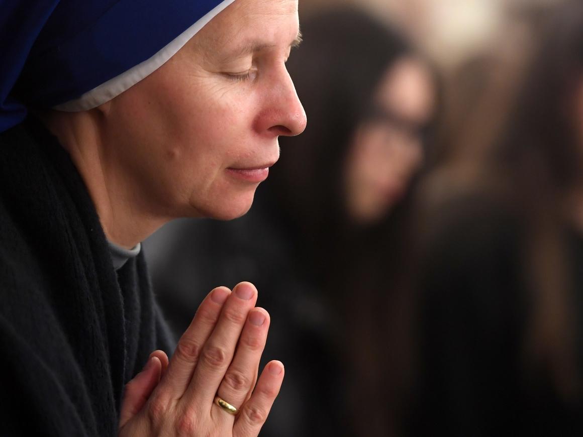 71-летняя монашка угрожала стабильности Филиппин. Теперь её гонят из страны