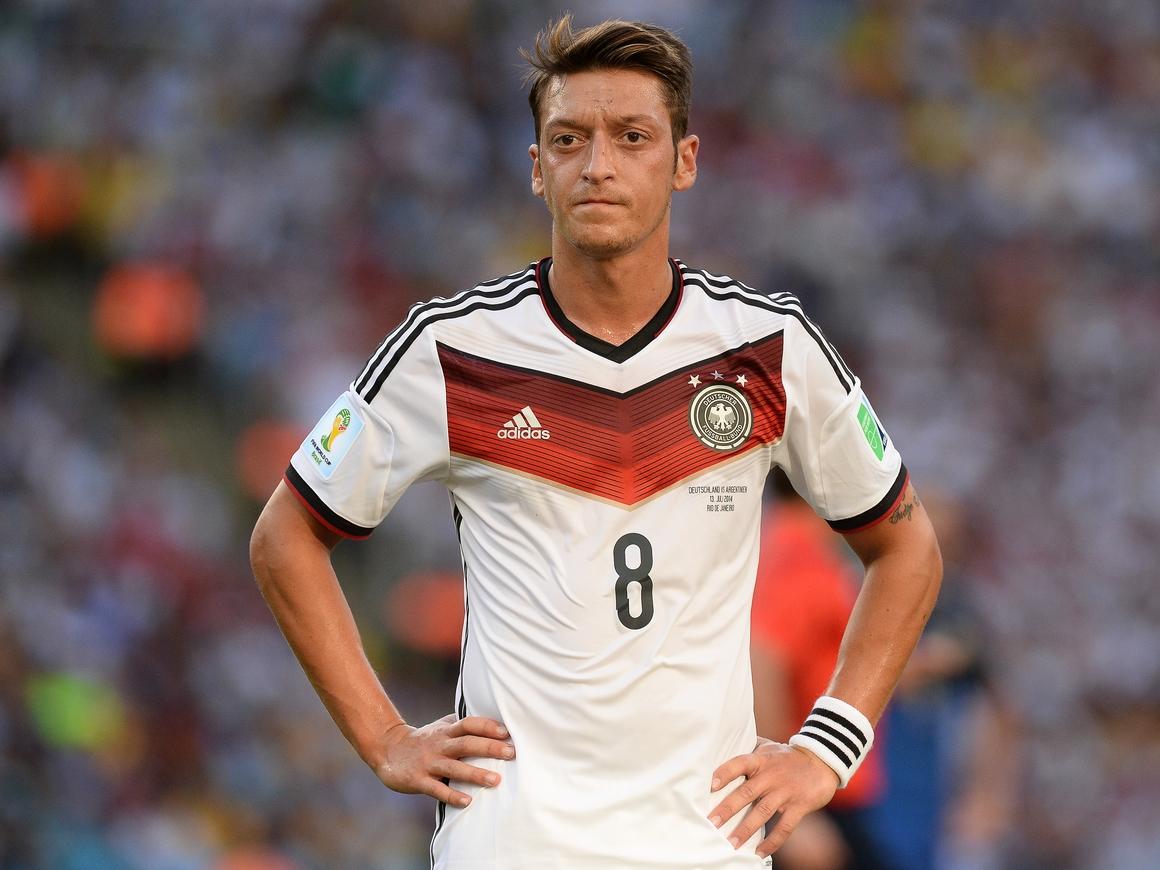 Месут Озил ушёл из сборной Германии: всё из-за расизма и неуважения
