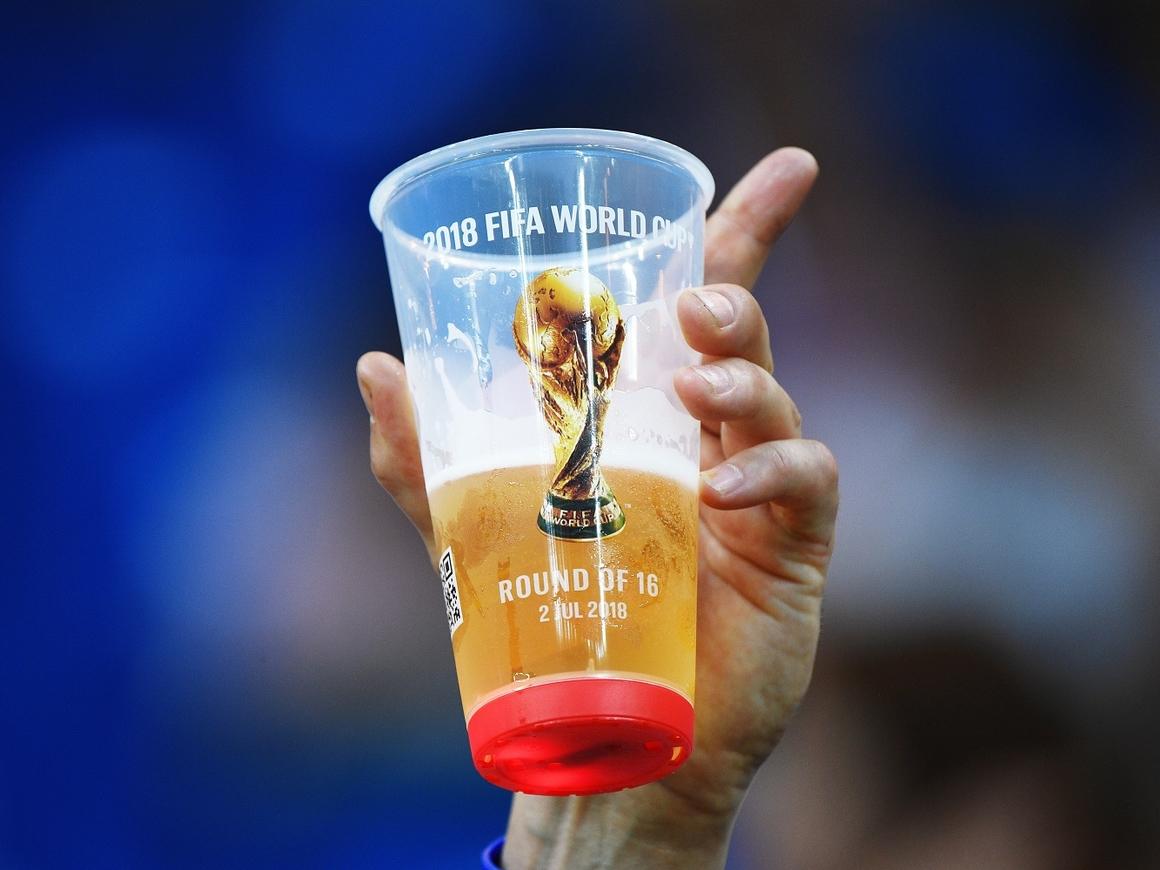 """""""Православный не значит пьяный"""" - РПЦ о продаже пива на стадионах"""