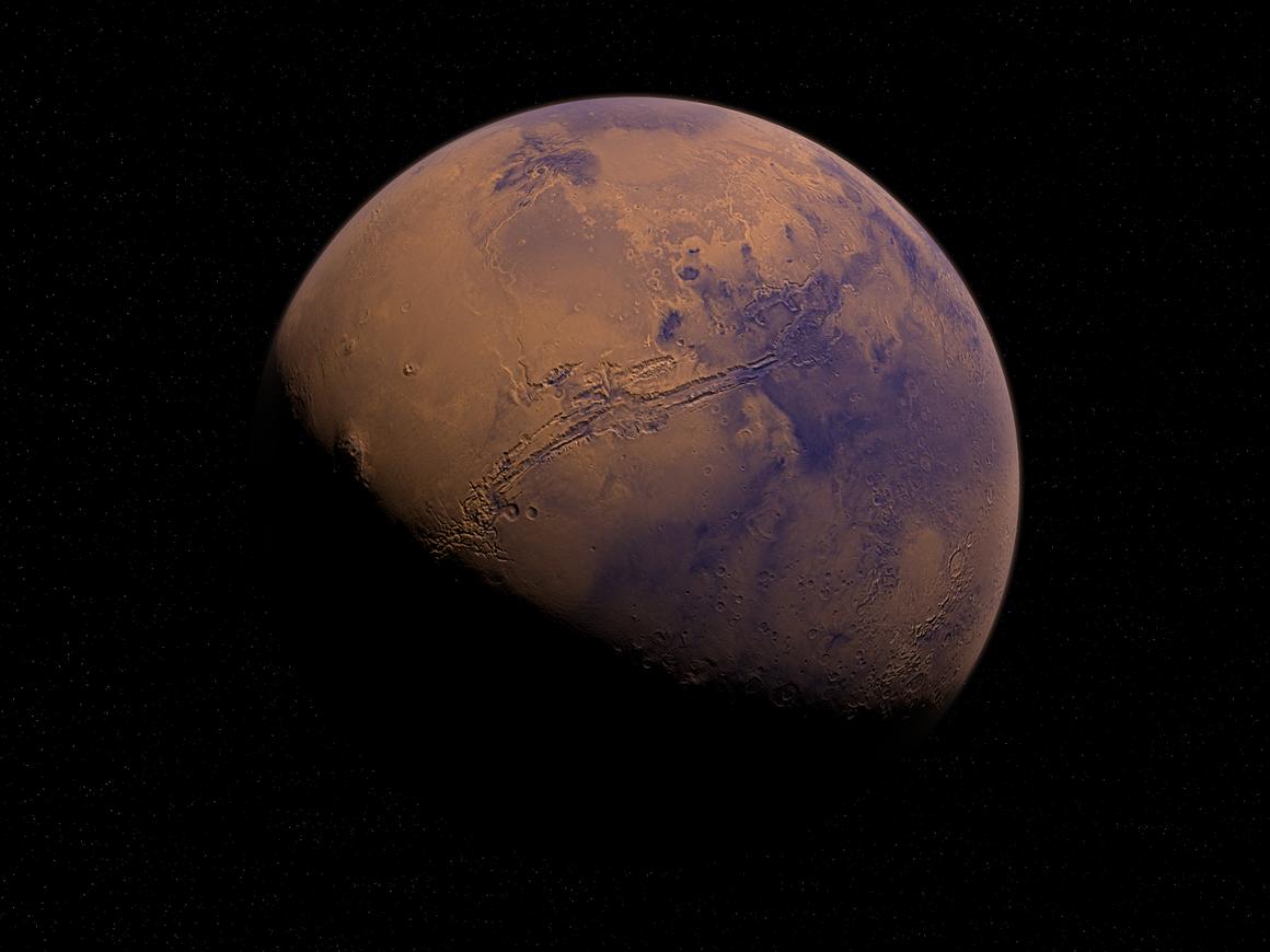 Под поверхностью Марса учёные обнаружили воду. Так скоро и жизнь найдут