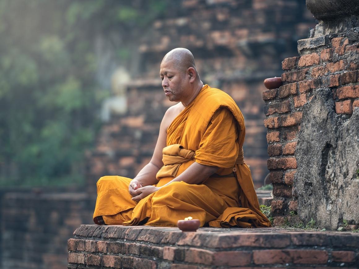 Не по Будде это: китайский монах принуждал монахинь к сексу