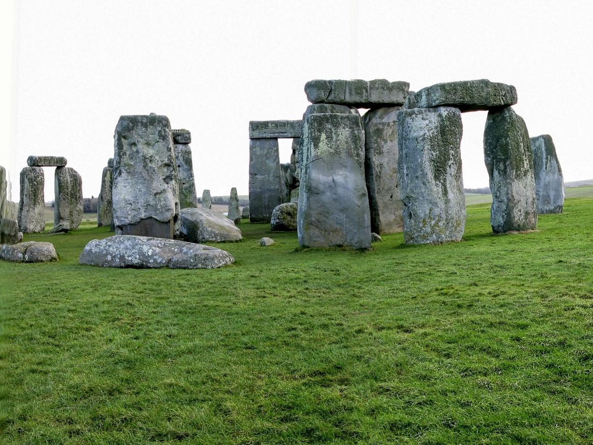 Новые тайны и открытия Стоунхенджа: учёные уверены, что сначала он был кладбищем