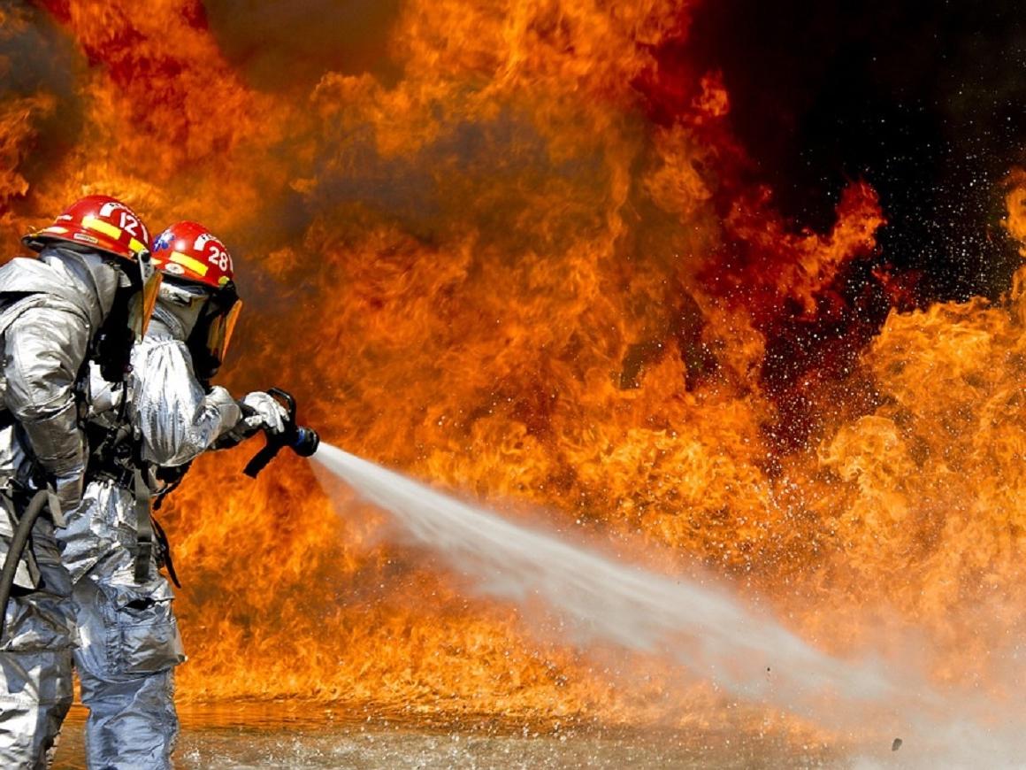 Разрушительные пожары в Калифорнии: всё из-за спущенного колеса